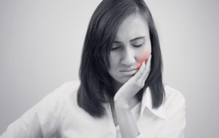 10 Tips to Reduce Swollen Gums at Home